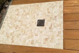 Création d'une douche de piscine en mosaique à ALBI